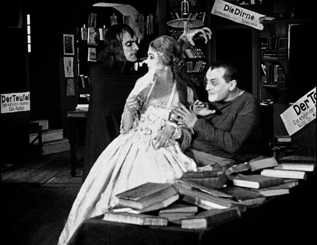 Cauchemars et hallucinations (Unheimliche Geschichten), réalisé par Richard Oswald (1919)