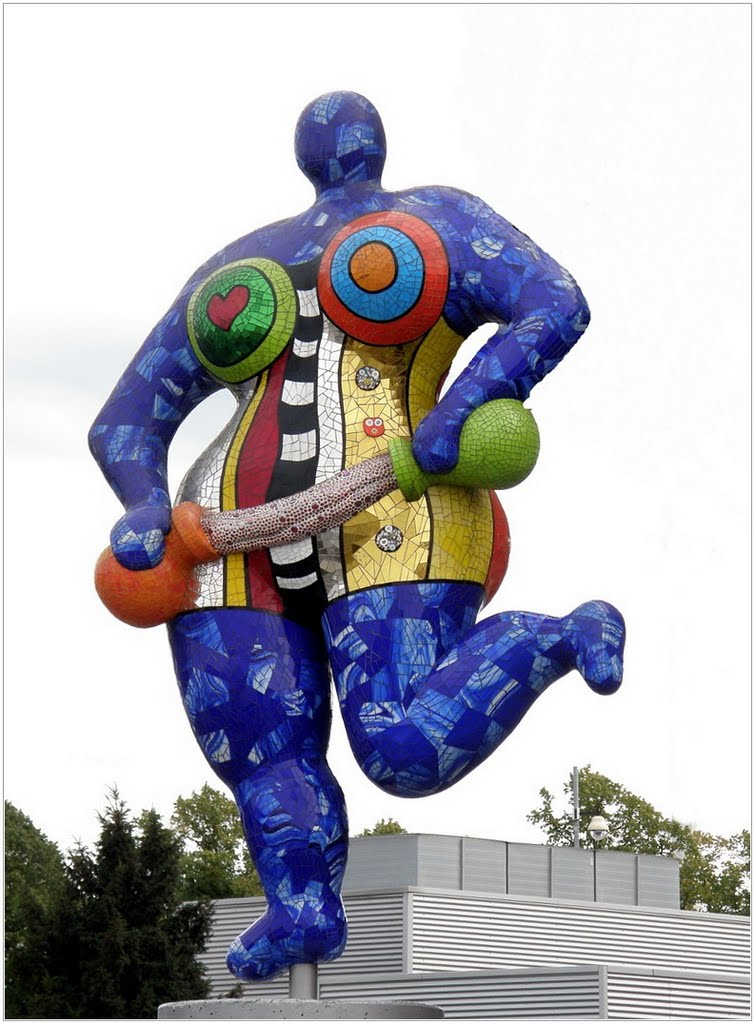 niki de saint phalle nana sculptures the image kid has it. Black Bedroom Furniture Sets. Home Design Ideas
