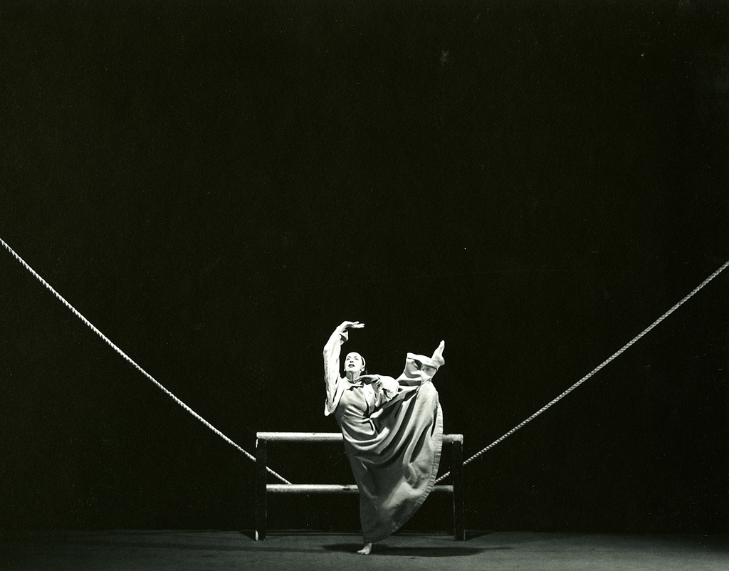 Martha Graham-Frontier Barbara Morgan (1900 - 1992) Martha Graham-Frontier, 1935 Gelatin siver print 78.1.1 Gift of Mr & Mrs John Ogden