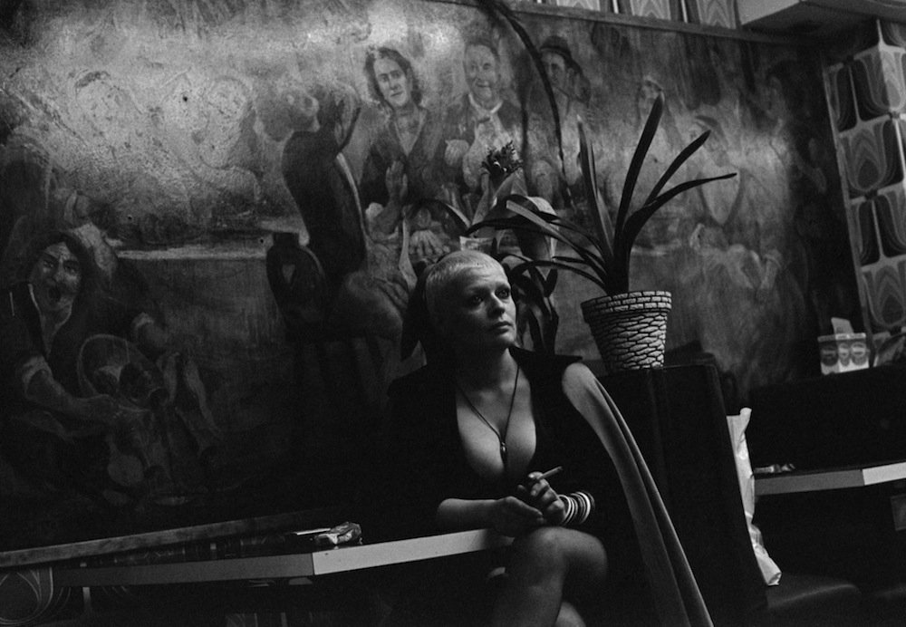 Blondine, La Rue des Lombards, Paris, 1976-1977 © Jane Evelyn Atwood