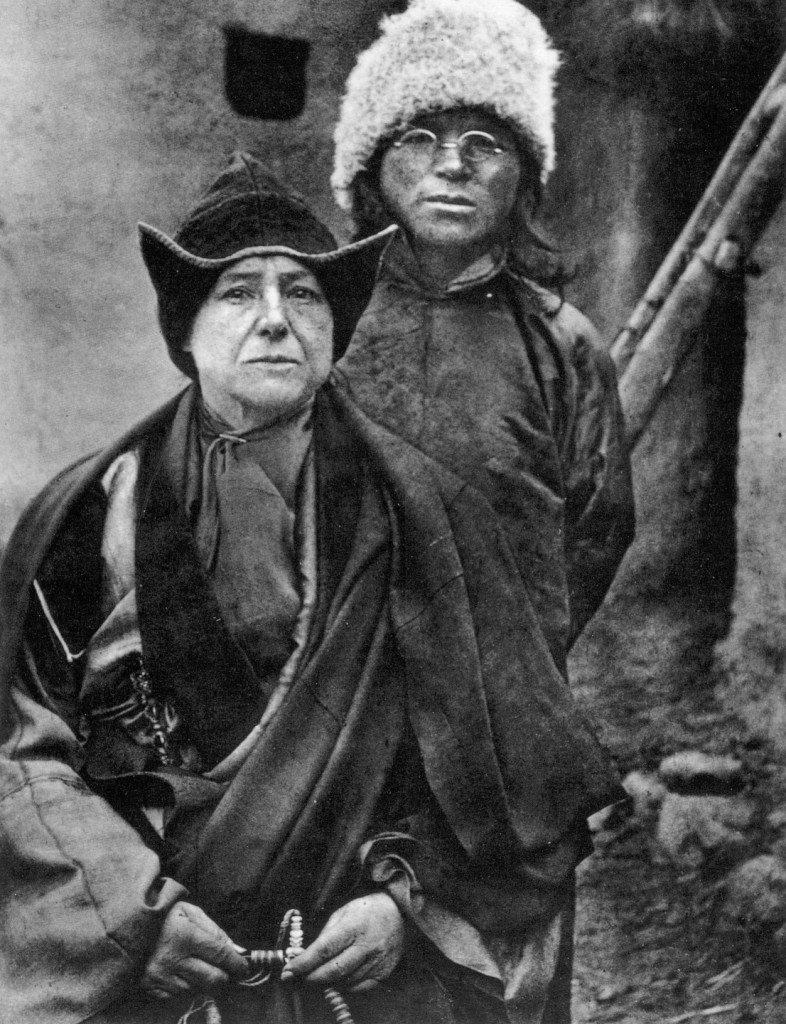 L'exploratrice Alexandra David Neel et Lama Arthur Yongden © Archives Fondation Alexandra David-Néel — Ville de Digne-les-Bains