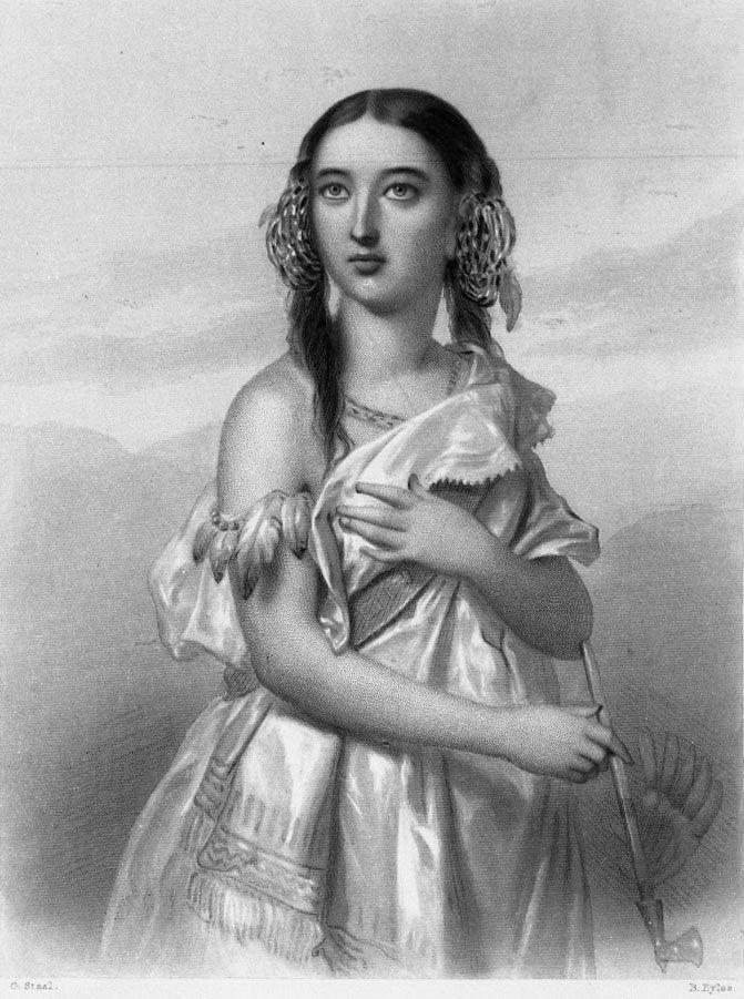 Pocahontas (vers 1596-1617) habillée d'une robe, tenant un calumet, vers 1612. © Hulton Archive