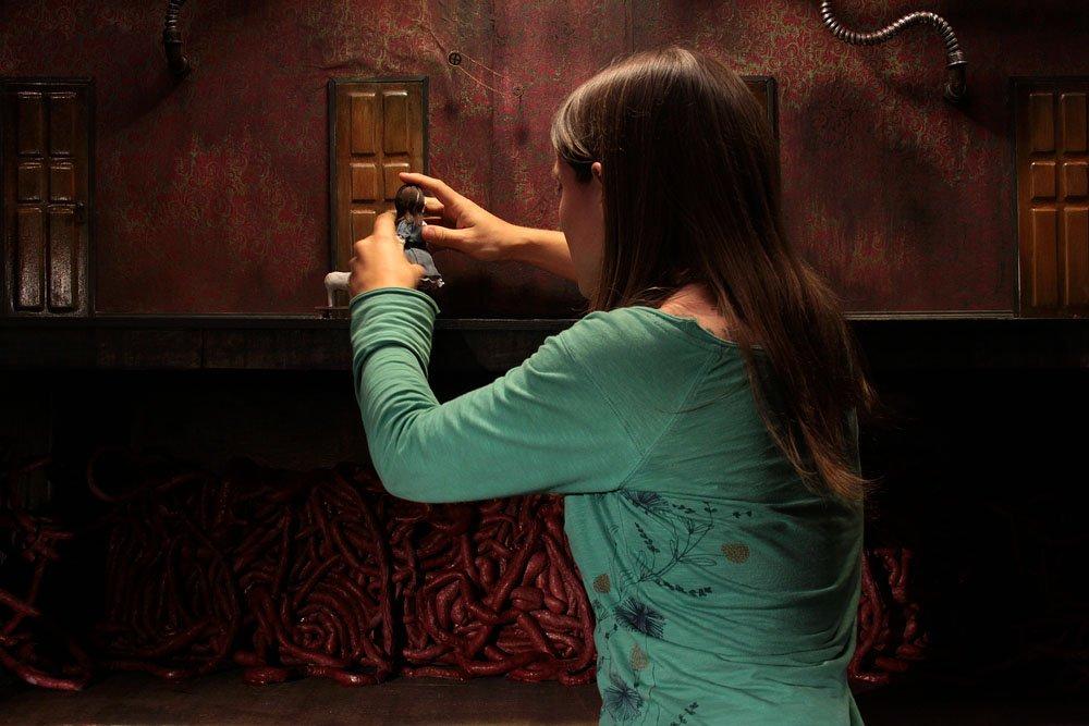 Lauren Morrison en train d'animer la petite fille de Viscera (2016)